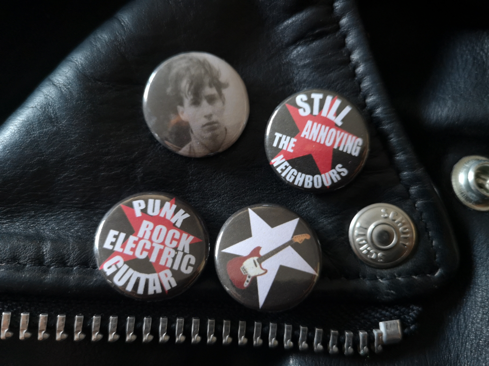 Free badge Set with all December Orders