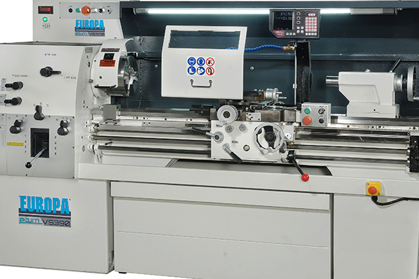 EUROPA eturnVS390: the ideal workshop and toolroom lathe